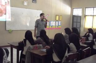 Pembelajaran Bahaya Sex Bebas Rumah Sakit Cakra Husada di SMK Jogonalan Klaten