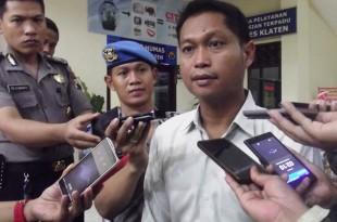 Kapolres Klaten memberikan penjelasan kepada wartawan tentang pelaku pengrusakan gereja di Jogonalan